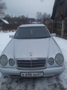 Mercedes E Class (T210)