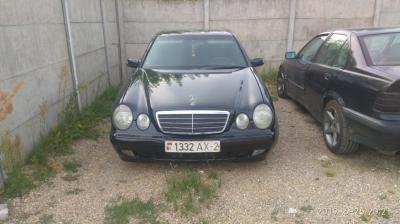 Mercedes E Class (W210)
