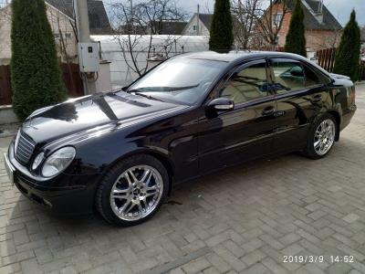 Mercedes E Class (W211)