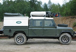 Пикап Land Rover Defender 130 2005 года
